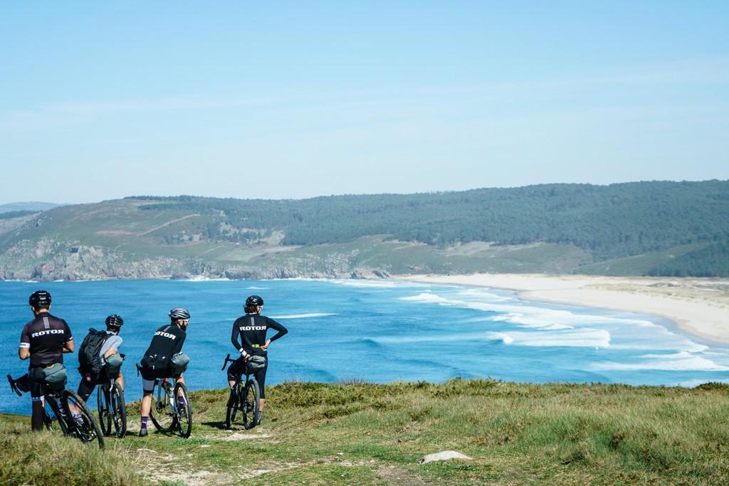Viaje en bicicleta por la costa