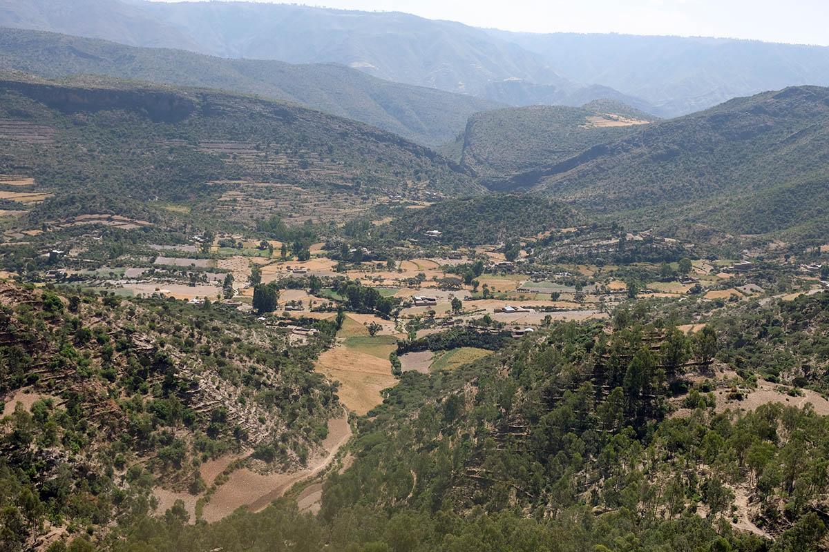 Vistas desde el altiplano que domina Wukro