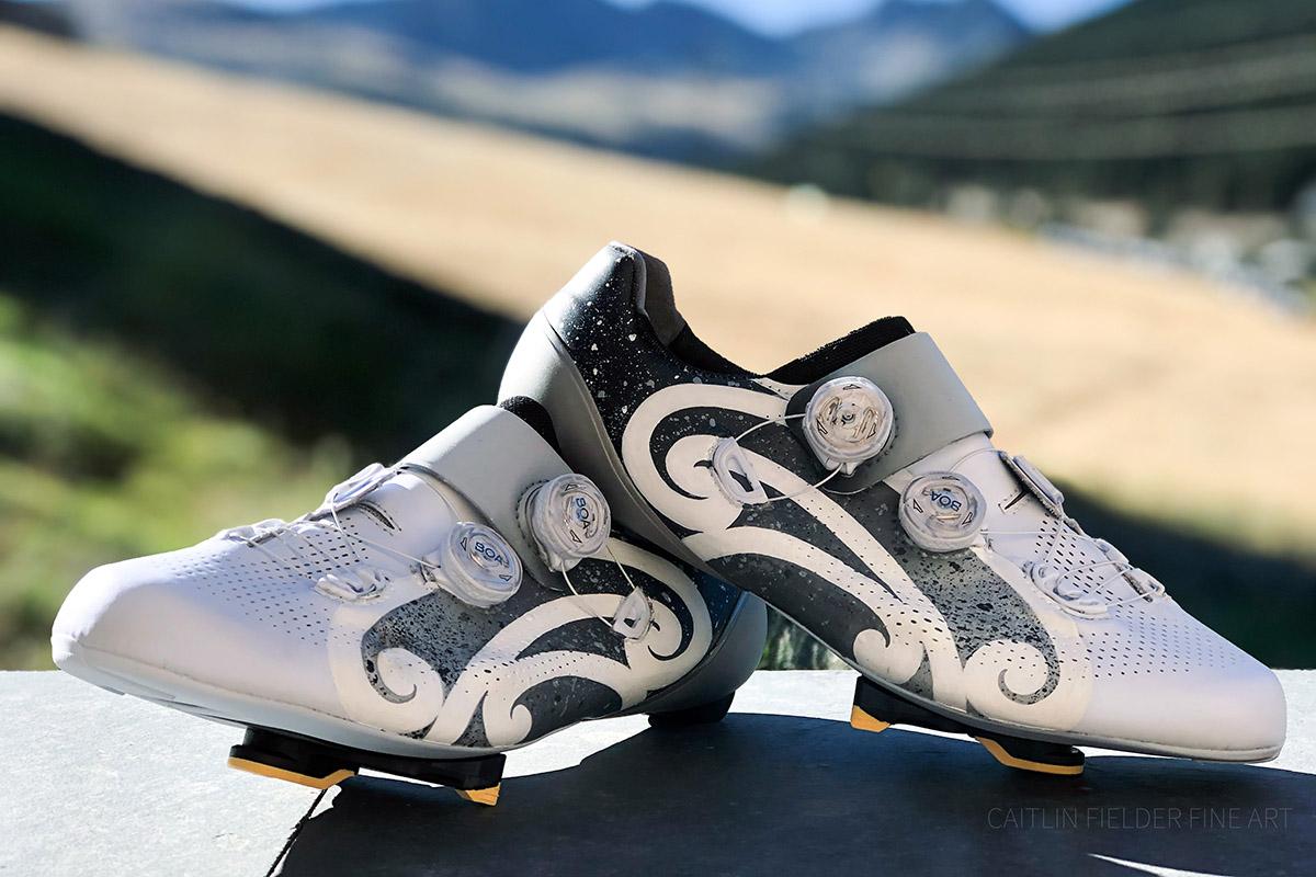 Los trabajos de personalización de Cailin Fielder en zapatillas de ciclismo