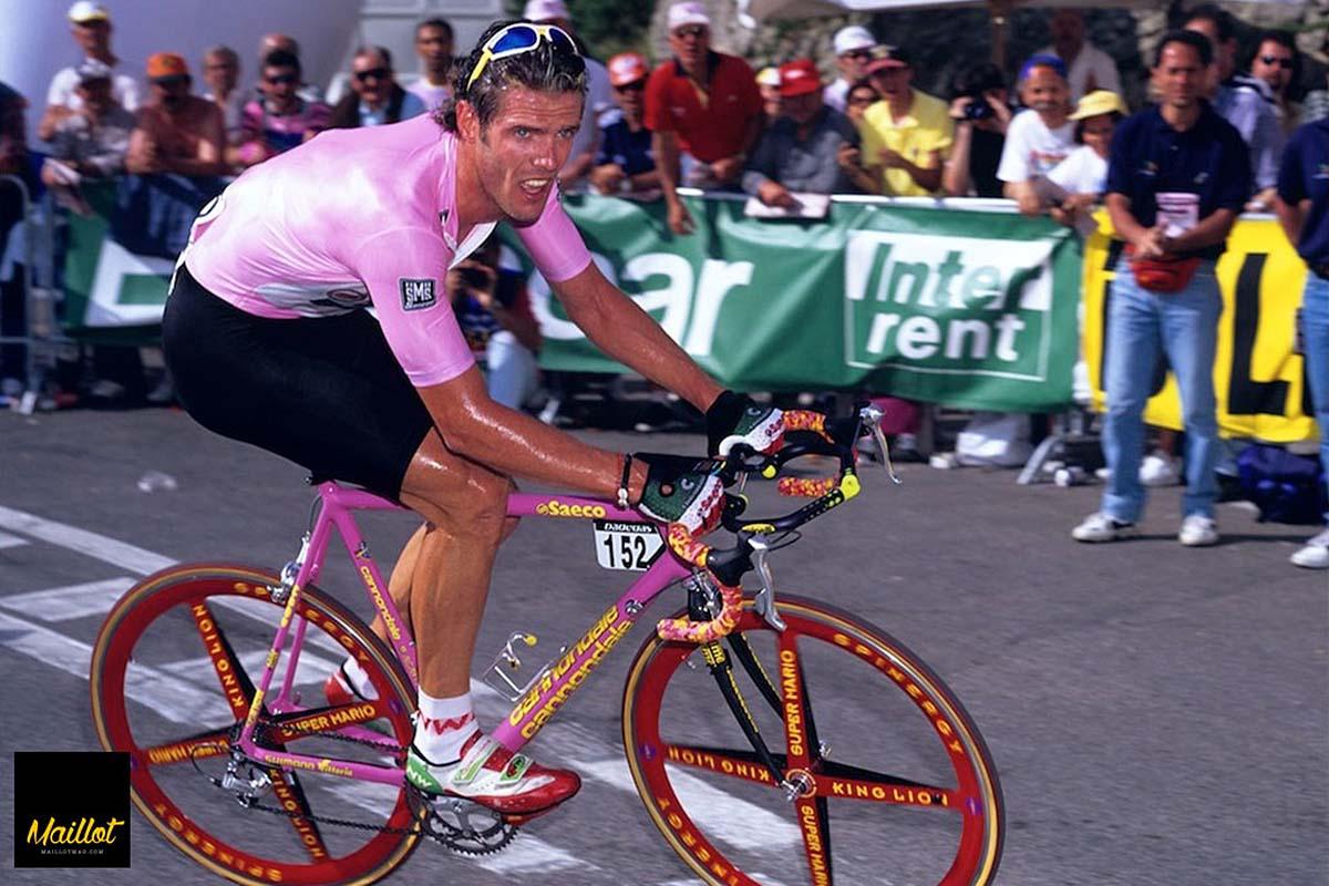 Mario Cipollini con la Cannondale en el Giro de Italia