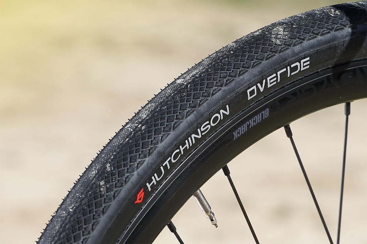Neumáticos Hutchinson Overide 700x38 en la MMR X-Beat