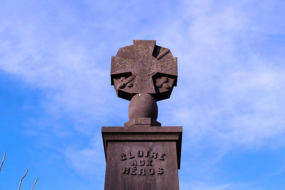 Cruces de los héroes de la IGM en Bélgica