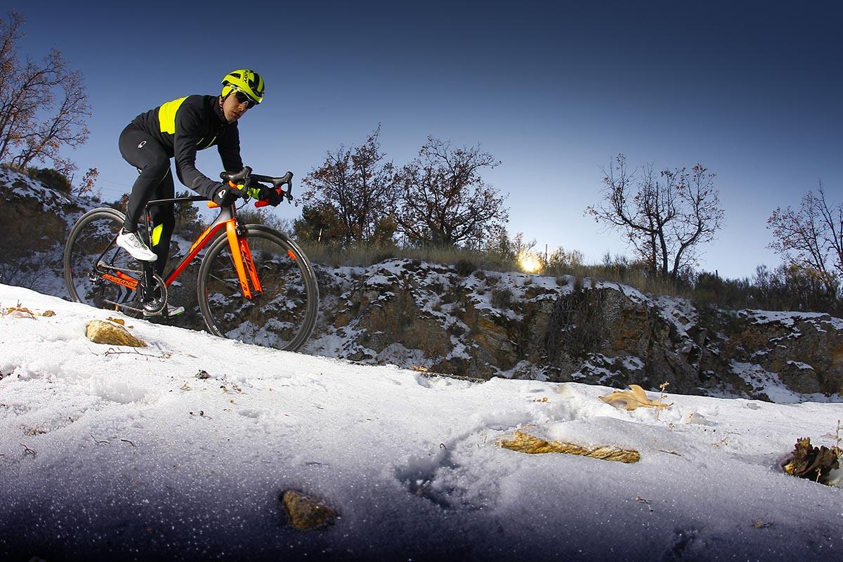 Soluciones a los pies fríos con la bici