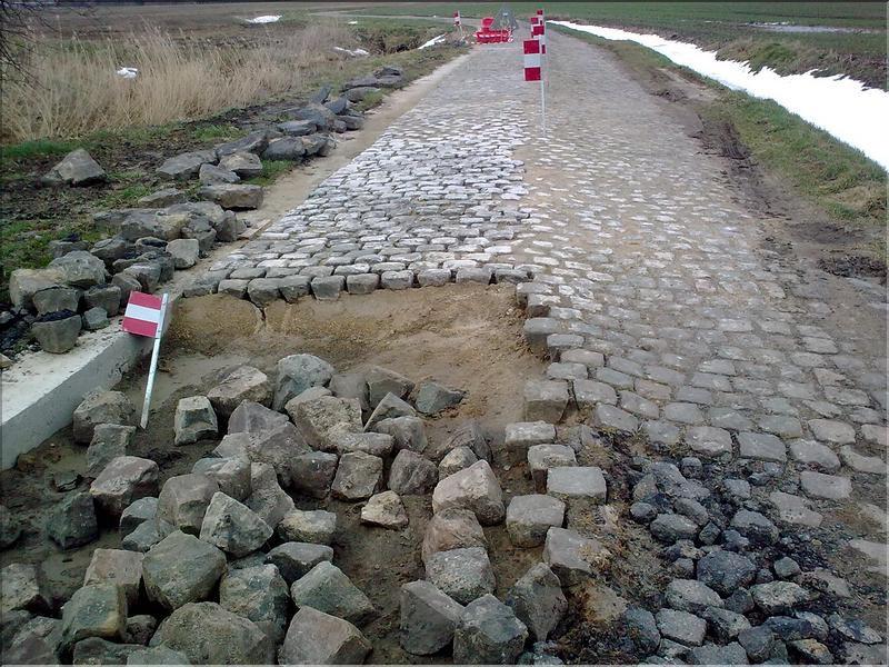 El pavés de la París-Roubaix: cómo pedalear sobre él