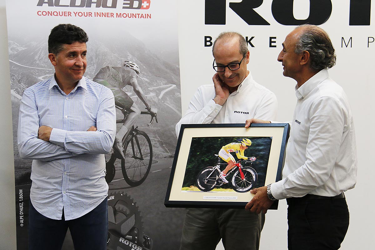 Carlos Sastre con Ignacio Estellés y Pablo Carrasco