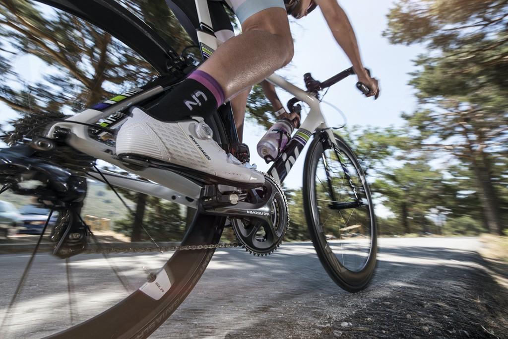 ¿Qué aportan las ruedas de perfil en la bici de carretera?