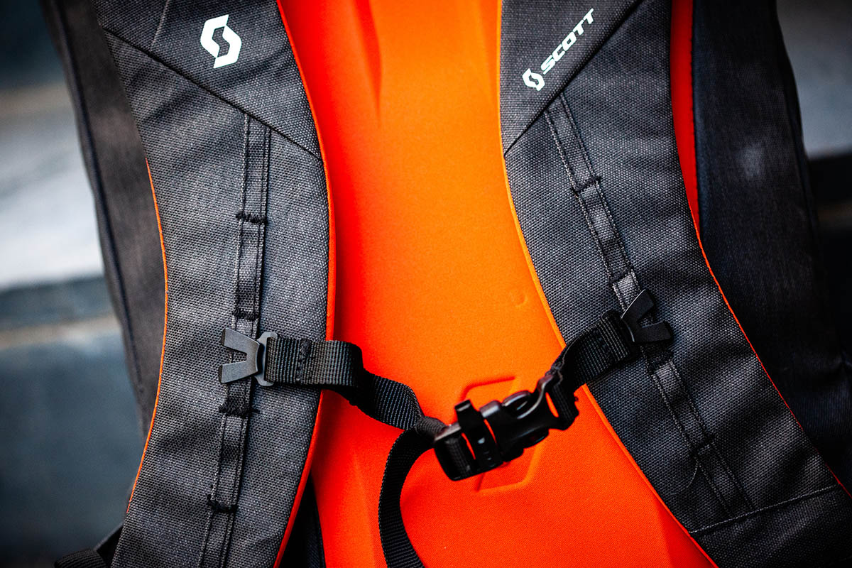 Mochila SCOTT Commuter EVO 28
