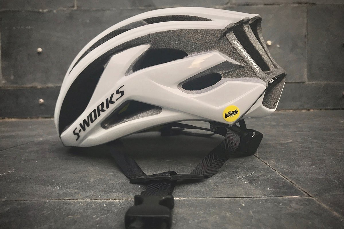 Más seguridad para los cascos Specialized: ANGi y MIPS SL