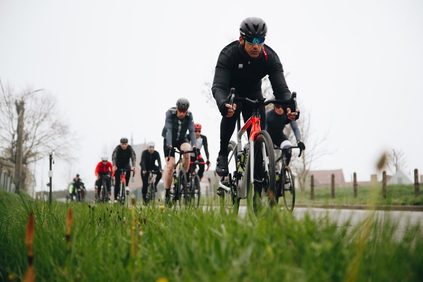 Specialized Roubaix 2020 en acción sobre el pavés de Flandes