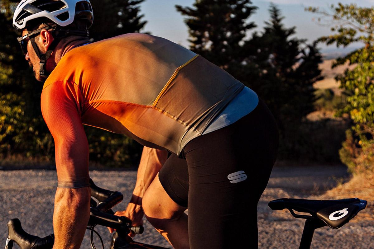 Nueva colección Sportful Bodyfit Pro y mono Bomber Suit para verano 2021