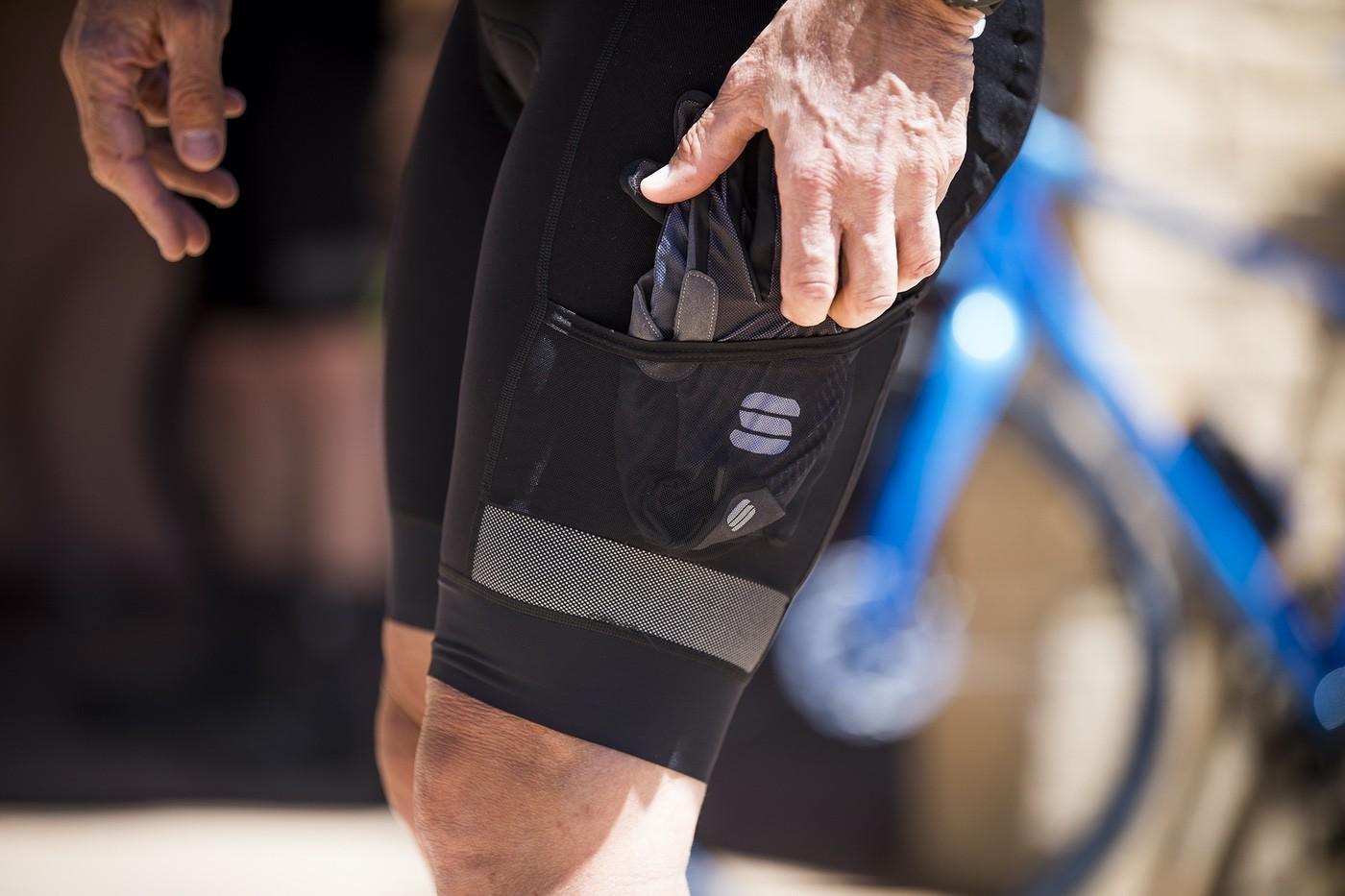 Detalle de bolsillo lateral del culote Sportful Supergiara