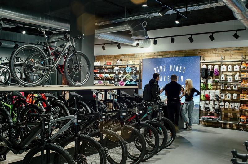 Trek abre dos tiendas en Madrid y Barcelona