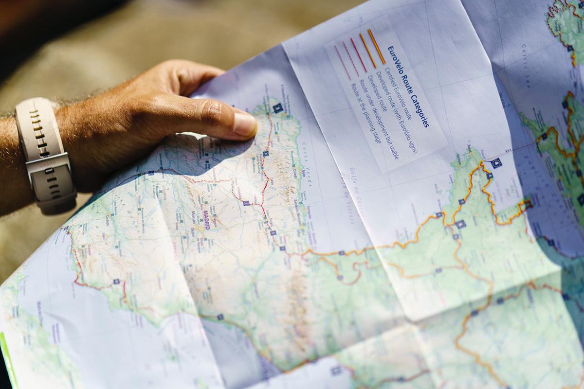 Vacaciones en bici, consejos prácticos: consigue un mapa con la ruta