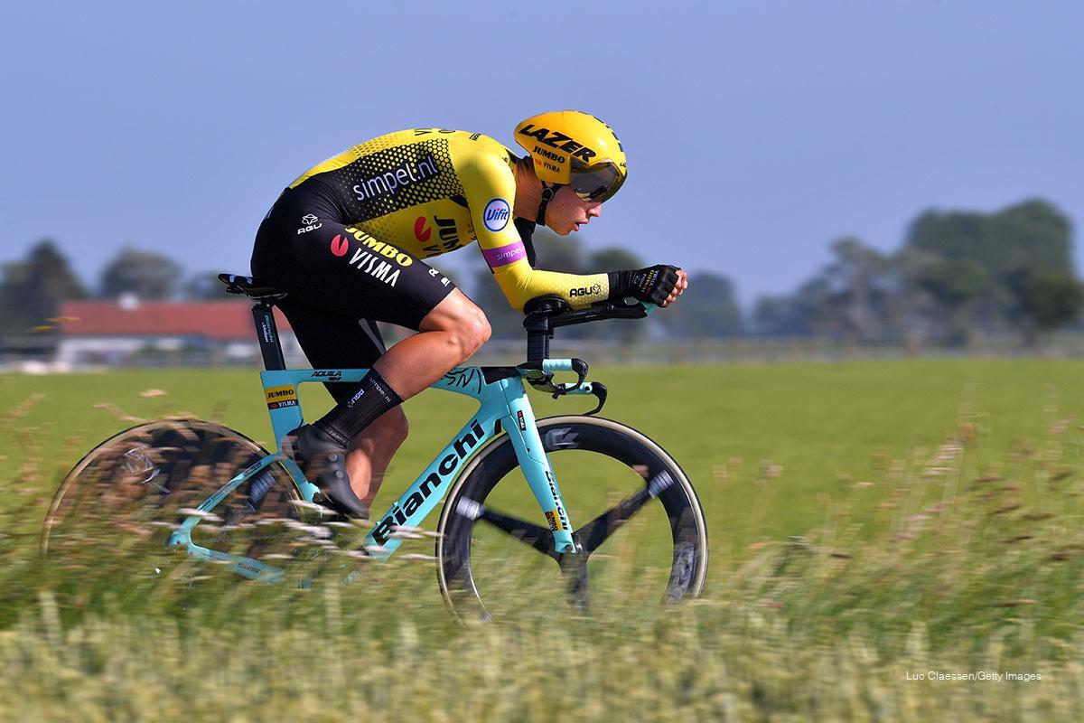 Wout van Aert camino a proclamarse campeón nacional de TT